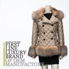 2017 famosas de la marca de fábrica de las mujeres largas clásicas encapuchadas del ganso del invierno / pato abajo de la chaqueta