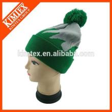 Al por mayor barato diseño personalizado gorra de acrílico con la bola superior