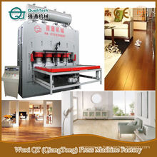 Máquina de prensa caliente con panel laminado de varias capas