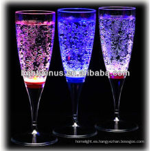 Romántico líquido activo LED Champagne Glass