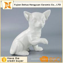 Chien en céramique blanc fabriqué à la main pour la décoration intérieure
