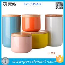 Pot de bougie en céramique d'impression adapté aux besoins du client / boîte métallique de support avec le bambou / couvercle en céramique