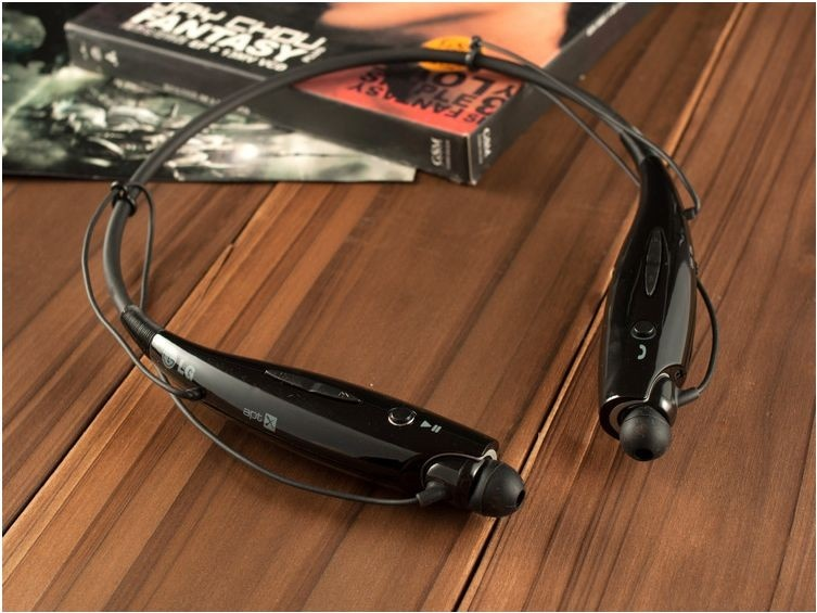 black bluetooth earphone