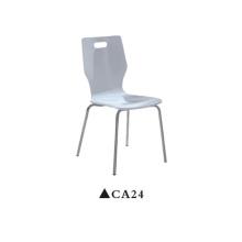 Chaises en contreplaqué à la maison de conceptions bon marché à vendre