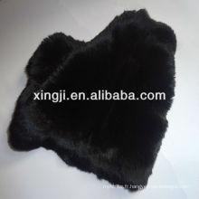 Peau de lapin de teinte noire colorée Peaux de lapin Rex pour le vêtement