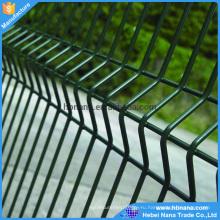 Низкой цене Гальванизированная сваренная панель Загородки ячеистой сети (изготовление)