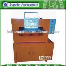 Hydraulic car number plate making machine