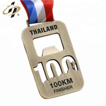 Medalla de metal de maratón abrebotellas personalizado