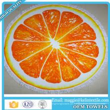 A fábrica OEM produziu a fruta alaranjada da cópia da veludinha impressa em volta da toalha de praia para a promoção