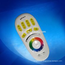 3V iluminação inteligente controle remoto holofote led rgb 2.4g