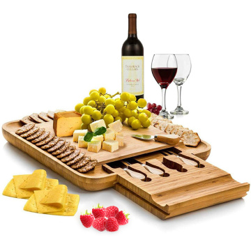 BAMBOO CHEESE BOARD cu set de cutite
