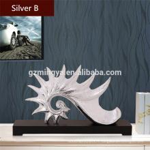 Souvenirs de mariage prix de vente en gros de mariage no moq intérieur intérieur décoration de la forme de la conque de mer artisanat en résine de style de mer