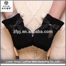 Hot sale top quality black color sheep suede leather gloves with bow