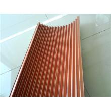 Corazones de aluminio corrugado de color dorado