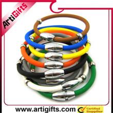 Bracelet promotionnel en acier inoxydable pour hommes en or avec caoutchouc