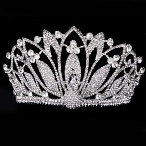 Coronas de cristal del pavo real con alas