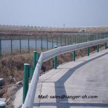 frio guardrail da estrada formando Máquina Perfiladeira
