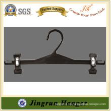 Fabricación Colgante ajustable del clip del precio bajo en el plástico para los pantalones
