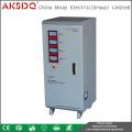 2016 Neuer Typ Direkthersteller SVC 10 kva TNS Dreiphasen Hochpräziser Automatischer AC-Haushaltstabilisator für AKSDQ