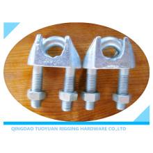 Clips de câble pour câbles avec matière malléable