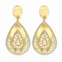 Boucles d'oreilles en or à l'eau 18k Boucles d'oreilles en zircon doré