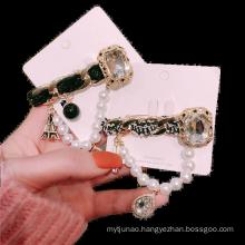 Fall Winter Fleece Chain Designer Brooch Pin for Women Girl Coat Sweater Accessories Vintage Badge Fashion Jewelry Handmade