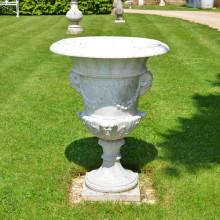 Mão esculpida em mármore branco do vaso para jardim