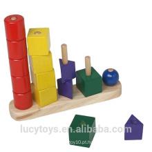 Brinquedo geométrico de madeira à venda