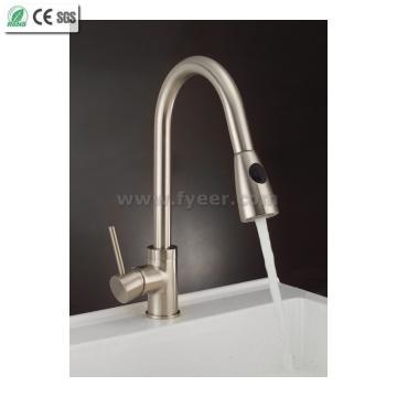 Кубок Стандартный никель с матовой вытяжной кухонной раковиной Смеситель для воды (QH0759S)