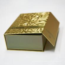 Elegantes Design Kleidungsstück Verpackung mit schönen Drucken