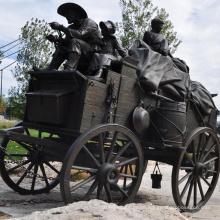 Высокое качество Античная Латунь лошадь скульптура тянуть перевозки