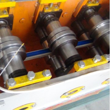 Mesin Roll Forming Track