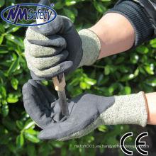 NMSAFETY es 388 13g Aramid Fibras y revestimiento de acero recubierto de agua Guante de PU negro