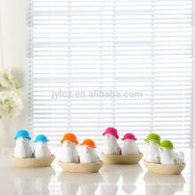 Assortiment de salières et poivrières en céramique de cadeau de mariage de silicone