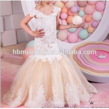 Fischschwanz Champagner Farbe Leistung Mädchen Kleid Kurzarm aus Schulter geschnürt Satin Blumenmädchen Kleid Muster