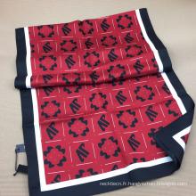 Écharpe en sergé de soie imprimée à l'écran