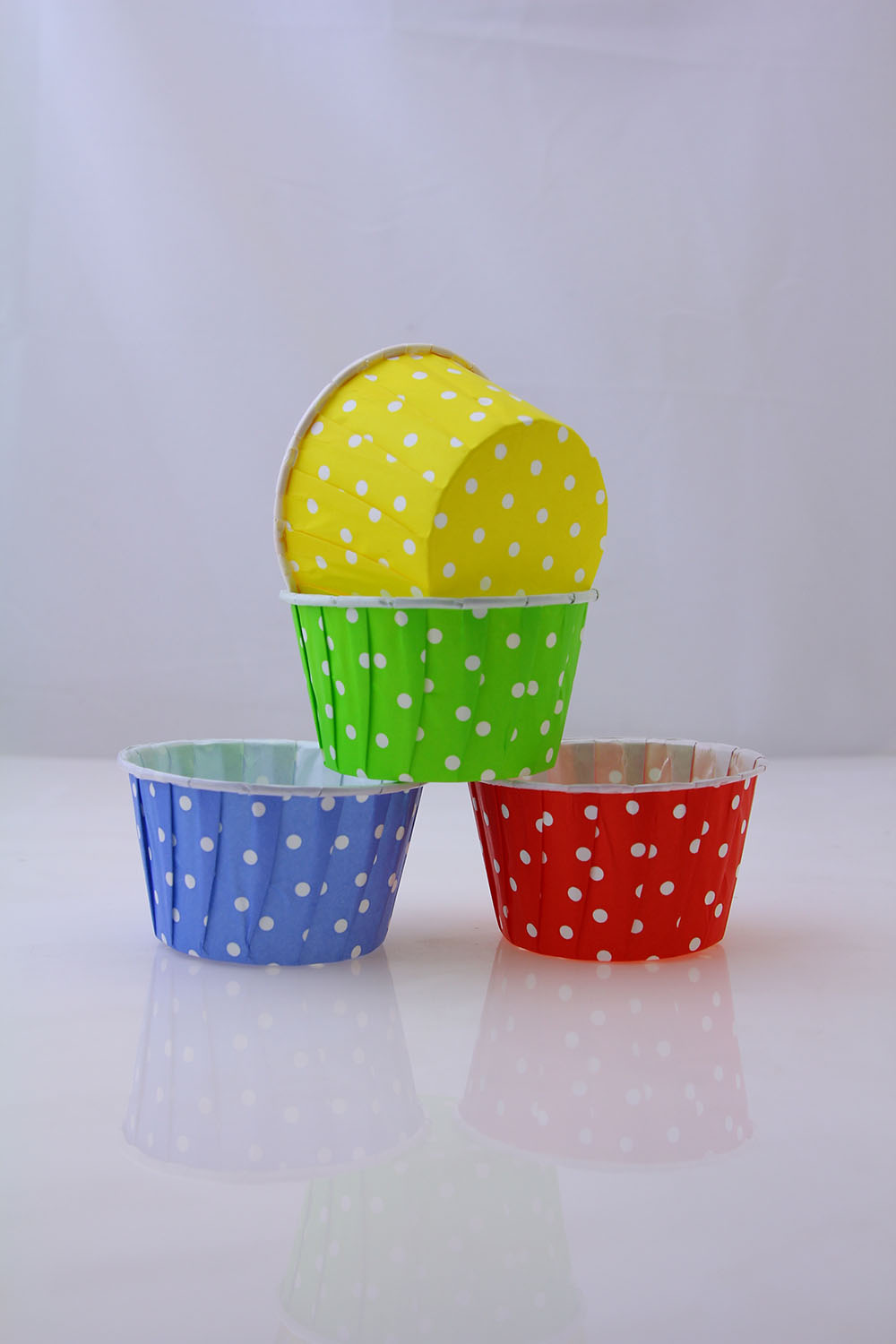 Colorful Dot Baking Cup With Edge Roll