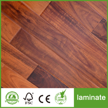 Suelo laminado de tablones de roble clásico de 8 mm