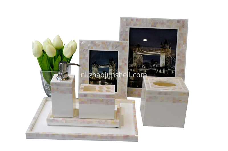 Chinese river shell bathroom set