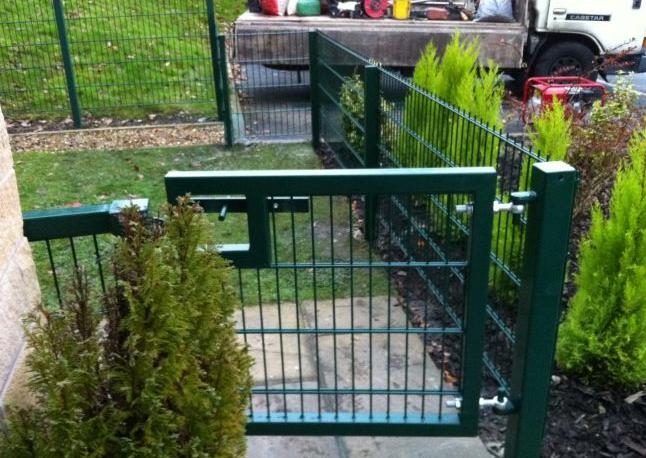 twin wire mesh fence gate