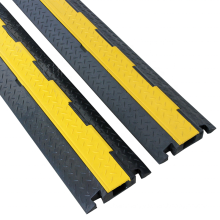 High Quality Reflective Traffic Safety Black Plastic Parking Road Speed Bump, Yellow and Back Cable Speed Hump/
