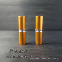 En aluminium rouge à lèvres contenant /Lipstick emballage