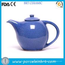 Tetera de cerámica esmaltada azul de la novedad
