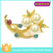 Broche de perlas de ramo de flores de oro de metal personalizado de moda para boda