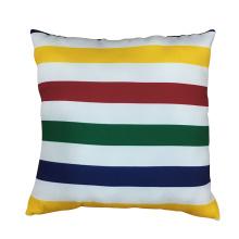 Almohada suave de la raya del arco iris para la decoración casera