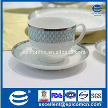 China producto 220cc juego de té de cerámica con borde de plata nuevo hueso china 6 taza y 6 platillo en caja de regalo