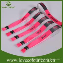 OEM Großhandel fördernde Polyester benutzerdefinierte Armband mit Kunststoff-Verschluss für VIP