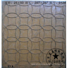 Baumaterial des Mosaikflieses formen