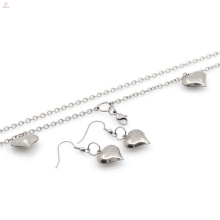 Chine en gros prix coeur collier et boucles d'oreilles bijoux ensembles top vente