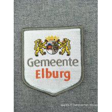 Fer personnalisé sur le patch de broderie de logo personnalisé pour les vêtements